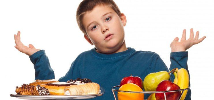Los Cinco errores más comunes que cometen los padres en la alimentación de sus hijos
